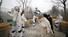 <b>크리스마스 겨울축제 퍼레이드</b><Br>21일 오후 서울로7017에서 열린 화이트 크리스마스 겨울축제에서 타악공연 퍼레이드가 펼쳐지고 있다. 서울/연합뉴스