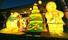 <b>크리스마스 트리 밝힌 조계사</b><Br>20일 오후 서울 종로구 조계사 일주문 앞에 크리스마스트리가 점등되어 있다. 서울/연합뉴스