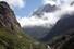 <b>한국인 4명 실종된 안나푸르나 데울랄리 지역</b><Br>네팔 고산지대인 안나푸르나를 트래킹하던 한국민 4명이 눈사태를 만나 실종됐다고 외교부가 18일 밝혔다. 사고는 현지시간 17일 오전 10시30분∼11시 안나푸르나 베이스캠프(ABC) 트래킹 코스인 데우랄리 지역(해발 3천230m)을 지나던 도중 눈사태를 만나면서 발생했다. 현재까지 4명이 실종됐고 다른 5명은 안전하게 대피했다. 실종자들은 현지 교육봉사활동을 위해 체류 중이던 현직 교사들로 알려졌다. 사진은 2009년 10월 촬영한 안나푸르나 데우랄리의 모습. [연합뉴스 자료사진]