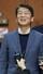 신당 창당을 준비하는 안철수 전 의원이 4일 오전 서울 여의도 국회 정론관에서 국회 개혁방안을 발표한 뒤 밝게 웃고 있다. 서울/연합뉴스