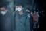 <b>춘절 휴가 후 출근하는 상하이 직장인들</b><br>춘절 휴가를 마친 중국 상하이 직장인들이 10일 마스크를 쓴 채 출근하고 있다. 상하이 로이터/연합뉴스