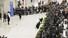 제92회 아카데미 시상식에서 4관왕을 차지한 영화 ''기생충'' 봉준호 감독이 귀국한 16일 오후 인천국제공항 2터미널이 취재진과 시민들로 붐비고 있다. 연합뉴스