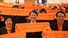 "<b>""놀랬나요?"" </b><Br>더불어민주당 후보로 4.15 총선 종로에 출마하는 이낙연 전 국무총리가 15일 오후 서울 종로구 광장시장에서 안아본 어린이가 무서워하자 엄마품으로 다시 건네고 있다. 연합뉴스"