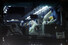<b>다이아몬드 프린세스호 떠나는 호주 승객들</b><br>코로나19  일본 요코하마항에 정박한 크루즈선 '다이아몬드 프린세스'에 탑승했던 호주 승객들이 19일 오후 버스를 타고 요코하마항을 떠나고 있다.  일본정부는 19~21일 하선하는 크루즈선 승객들에 대해 잠복기가 지났다는 이유로 격리 조치를 취하지 않는다고 밝혔다. 요코하마/AP 연합뉴스