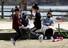 <B>아이들과 함께 시간을…</b><Br>코로나19 확산이 한풀 꺾이며 맞이한 주말인 15일 오후 광주 서구 풍암호수공원에서 마스크 쓴 한 가족이 놀이를 즐기고 있다. 연합뉴스