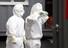 27일 대구시 중구 계명대학교 대구동산병원에서 의료진이 휴식을 취하기 위해 신종 코로나바이러스 감염증(코로나19) 환자들이 있는 병동을 잠시 나오고 있다. 연합뉴스
