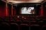 <b>영업 재개된 영화관에 앉은 이탈리아 시민들</b><br> 이탈리아 밀라노 시민들이 15일(현지시간) 영화관에 앉아 있다. 신종 코로나바이러스 감염증(코로나19) 여파로 3달간 폐쇄됐던 영화관은 이날 다시 문을 열었다. 밀라노AP/연합뉴스