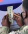 <b>하와이에서 서울 향하는 한국군 유해</b><br>22일(현지시간) 미국 하와이 국방부 전쟁포로 및 실종자 확인국(DPAA)에서 미국 장병들이 한국군 유해를 관포하고 있다.  연합뉴스