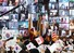 <b>온라인으로 참석한 한국전 참전용사들</b><br>24일 오전 경기도 용인시 새에덴교회에서 열린 ''제70주년 한국전쟁 참전용사 초청 온라인 보은행사''에서 참석자들이 미국, 캐나다, 필리핀, 태국 등에서 온라인으로 참석한 참전 용사들에게 각 나라 국기를 흔들며 인사하고 있다. 연합뉴스