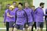 손흥민(토트넘·맨앞)이 리버풀과의 2018-2019 유럽축구연맹(UEFA) 챔피언스리그(UCL) 결승을 앞두고 27일(현지시각) 영국 북런던 토트넘 홋스퍼 FC 트레이닝 그라운드에서 열린 팀 훈련에 참여하고 있다. 런던/AP 연합뉴스