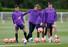 해리 케인(토트넘·왼쪽 둘째)이 리버풀과의 2018-2019 유럽축구연맹(UEFA) 챔피언스리그(UCL) 결승을 앞두고 27일(현지시각) 영국 북런던 토트넘 홋스퍼 FC 트레이닝 그라운드에서 열린 팀 훈련에 참여하고 있다. 런던/로이터 연합뉴스