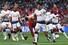 손흥민이 1일(현지시각) 스페인 마드리드의 에스타디오 메트로폴리타노에서 열린 토트넘과 리버풀의 2018-19 시즌 유럽축구연맹(UEFA) 챔피언스리그(UCL) 결승전에서 볼을 다투고 있다. 마드리드/AFP 연합뉴스