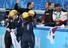 한국 쇼트트랙 대표팀의 박승희가 18일 러시아 소치 아이스버그 스케이팅 팰리스에서 열린 2014 소치 동계올림픽 쇼트트랙 여자 3,000m에서 금메달을 차지한 뒤 펑펑 울고 있다. 2014.2.18