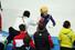한국 쇼트트랙 여자 대표팀 심석희가 18일 오후(현지시간) 러시아 소치 해안클러스터의 아이스버그 스케이팅 팔래스에서 열린 소치동계올림픽 여자 쇼트트랙 3,000m 계주 결승에서 우승한 뒤 최광복 코치와 하이파이브를 하고 있다. 2014.2.18 연합뉴스
