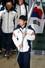 2014 소치 동계올림픽 대표팀 이규혁 선수가 25일 오후 인천국제공항 입국장을 통해 단기를 들고 귀국하고 있다. 2014.2.25/뉴스1