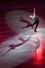 미국 애덤 리폰이 10일 일본 나고야에서 열린 2017~2019 ISU 그랑프리 파이널 갈라쇼에서 연기를 펼치고 있다. 나고야/AFP 연합뉴스