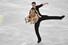 알요나 사브첸코-브루노 마소트 독일 짝이 일본 나고야에서 열린 2017~2018 국제빙상경기연맹(ISU) 피겨 시니어 그랑프리 파이널 페어 쇼트프로그램 연기를 선보이고 있다. 나고야/AFP 연합뉴스