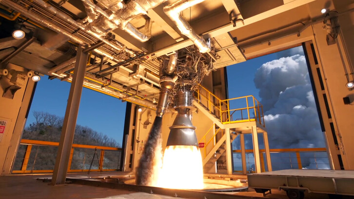<b>누리호 75t급 엔진 연소시험</b><br>과학기술정보통신부와 한국항공우주연구원이 지난 15일 누리호 개발 현장을 공개했다. 사진은 이날 나로우주센터에서 진행된 누리호 75t급 엔진의 연소 시험 모습이다. 한국항공우주연구원 제공