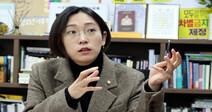 '피해자다움' 부수고 미래로 가는 여성 정치인들