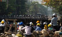 미얀마 끝없는 유혈진압…만달레이서 실탄 발사, 시민 1명 숨져