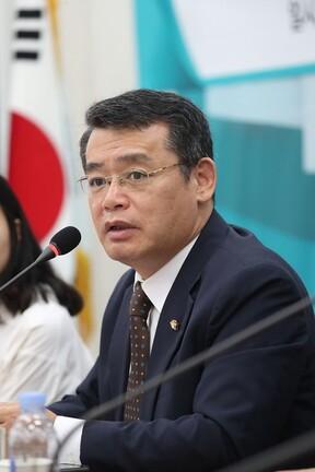 임재훈 의원. 임 의원 페이스북 갈무리