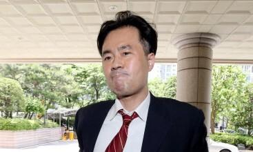 '손석희 공갈미수 혐의' 김웅 징역 1년6개월 구형