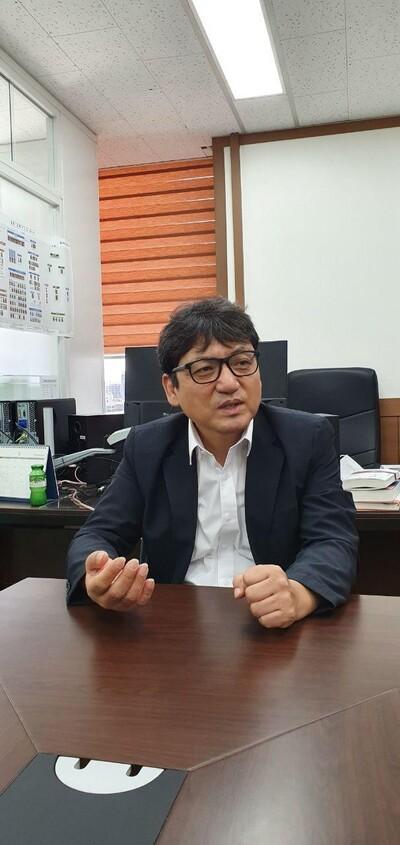 박진원 사무처장. 이제훈 선임기자