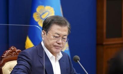 청와대, 15자 입장문으로 '윤석열 사의' 수용…강한 불쾌감