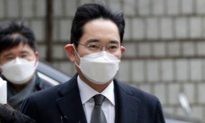 이재용, 재상고 포기…'부회장의 취업제한' 숙제 남은 삼성