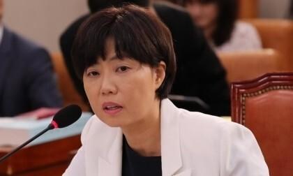 '미공개 정보 주식거래' 이유정 전 헌법재판관 후보, 1심 무죄
