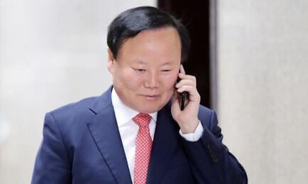 윤석열에 기소됐던 '진박' 김재원의 '오묘한' 출마선언