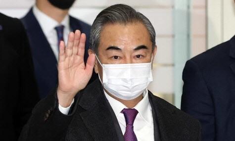 수망상조 꺼낸 왕이…실질협력 통한 중국 쪽으로 당기기