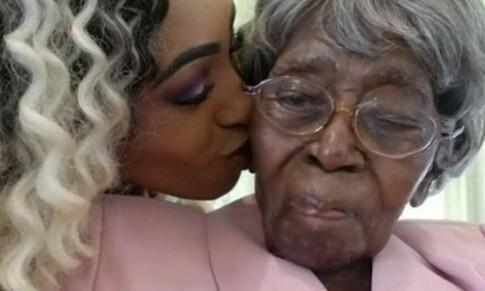 """""""매일 바나나 반조각과 바른 생활""""…미국 116살 할머니 영면"""