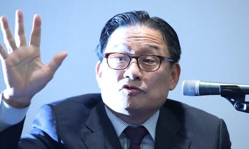 '공관병 갑질 논란' 박찬주 전 육군대장 한국당 입당