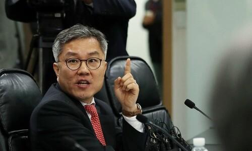 """검찰 인사 30분전 기소에 최강욱 """"기소 쿠데타"""" 격앙"""