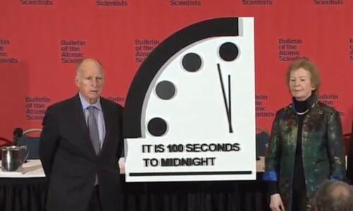 """""""인류 파국 100초 전""""…20초 더 당겨진 '운명의날 시계'"""