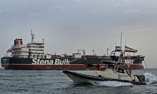"""""""호르무즈 봉쇄"""" 이란의 '큰소리' 뒤에는 이 섬들이 있다"""