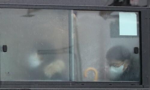 [포토] 비내리는 잿빛 출근길