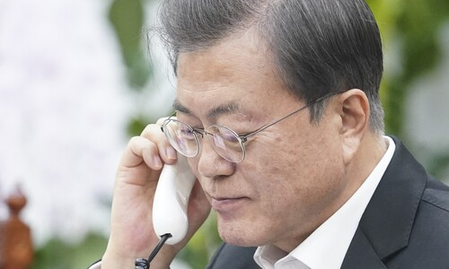 """베트남 총리 """"한국 진단 검사는 세계적 모범…방역 협력하자"""""""