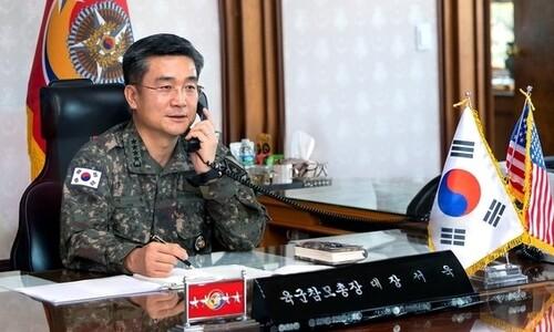 """미 육군총장 """"한국육군 코로나19 대응, 전세계 미군 공유"""""""