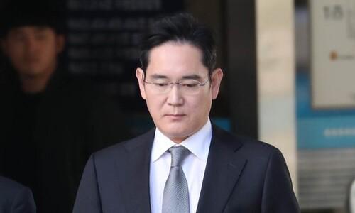[속보] '불법승계 의혹' 이재용 삼성전자 부회장 검찰 출석
