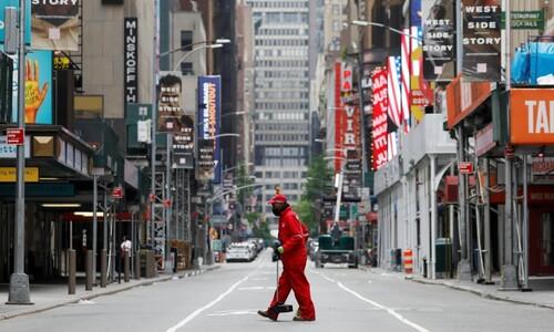 홀로 뚜벅뚜벅…텅 빈 뉴욕 브로드웨이 청소부