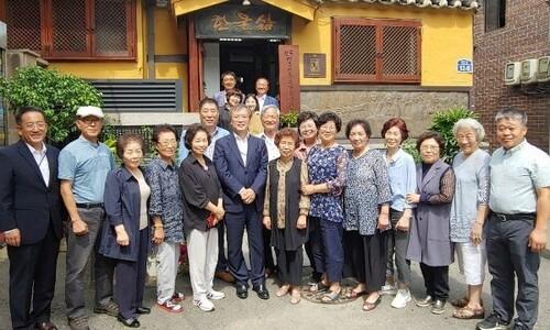 '늦봄 통일상' 유가협·'봄길 박용길' 전기 함께 축하