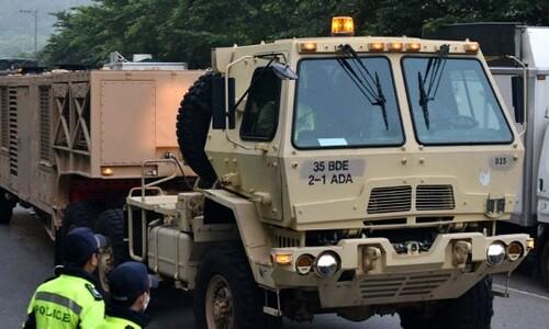 성주 사드 기지에 한밤 기습 장비 반입…요격미사일 포함된 듯