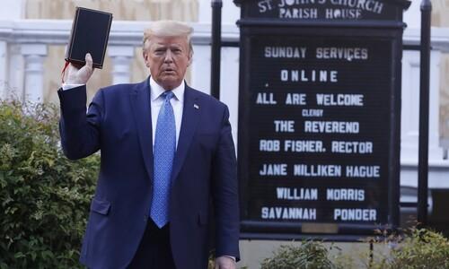 최루탄으로 길 트더니 교회서 사진 촬영만? 트럼프의 기행