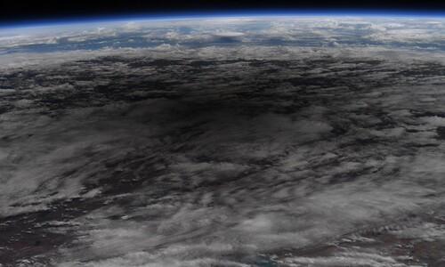 '달 그림자' 드리운 지구, 우주에서 내려다보다