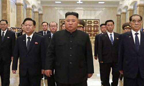 김정은, 김일성 26주기 맞아 금수산태양궁전 참배