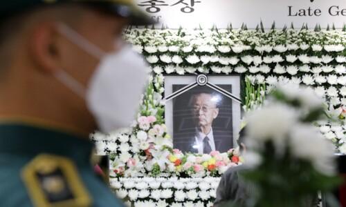 '친일파이자 전쟁영웅'의 죽음…또 불거진 이념균열
