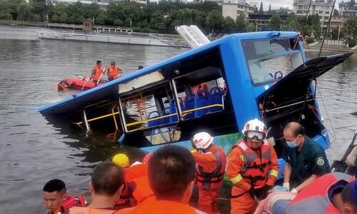 재개발로 집 잃은 중국 운전사, 수험생 태우고 저수지 돌진