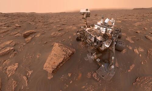 셀카, 검은 모래 언덕…'화성 착륙 8년' 로봇이 보내온 사진들
